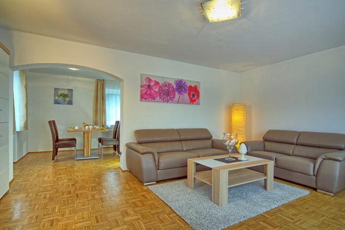 Alpenhotel Fischer, Ferienwohnung Watzmannblick, Wohnzimmer 2